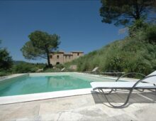Restored farmhouse with swimming pool in Montepulciano, Tuscany