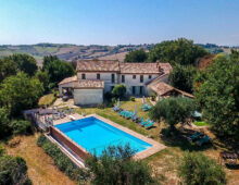 Authentic Country House near Belvedere Ostrense, Marche €2.300 000