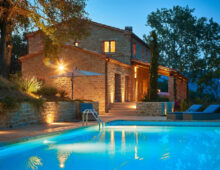 """Wonderful farmhouse in """"the balcony of Marche"""" with swimmingpool  €775 000"""